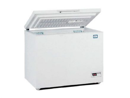 The JP Selecta Chest freezer is suitable for preservation and freezing of samples and has guide supports for baskets or trays.